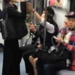 【動画】韓国の地下鉄 水を飲みたい女vs水を絶対飲ませたくない女が大喧嘩