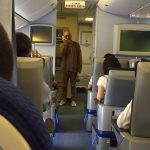 【神対応】飛行機が出発遅れ 偶然乗ってた松山千春が持ち歌を熱唱!