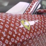 【画像】15歳の少年がフェラーリを Supreme x Louis Vuitton 仕様に改造