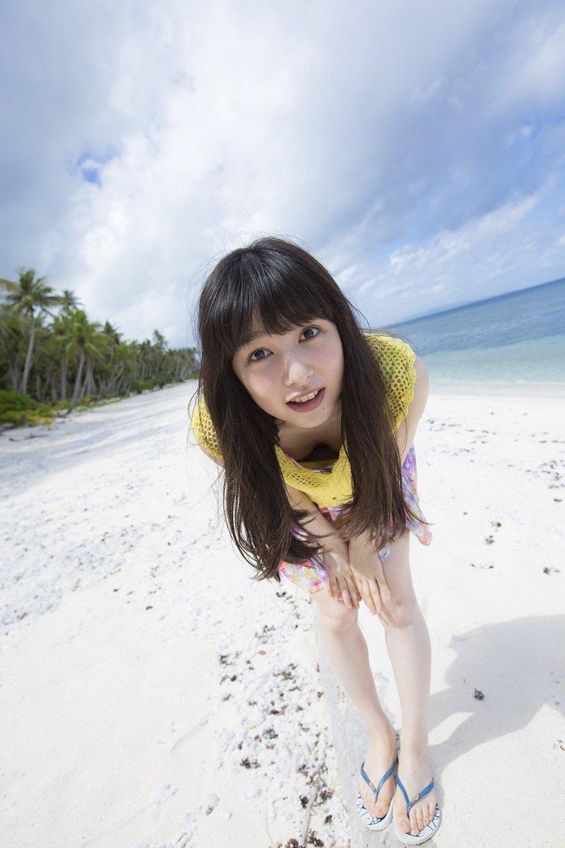 【画像】桜井日奈子さん、うっかり胸チラしてしまうw