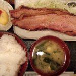 【悲報】ジャップさん、「ベーコン」で白米を食べてしまう