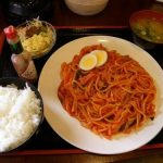 【画像】ナポリタン定食(800円)のクオリティwwwww