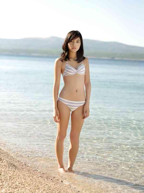 【画像】川口春奈の体型ワロタwwwww