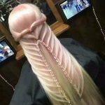 【悲報】まんさん、髪型をチ○コにしてしまうwwwww