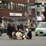 京都大学の馬鹿学生が交差点の真ん中にコタツ置いて酒盛り