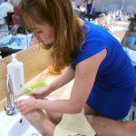 【画像】ベトナムの理髪店のサービスがHすぎるwww