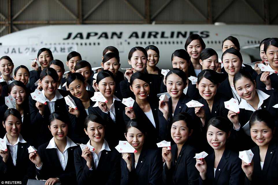 【画像】JALの入社式がなんかすごい