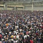 【画像】欅坂46の握手会の行列wwww