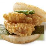 低迷するモスバーガー、起死回生の天丼バーガー(450円)を発売
