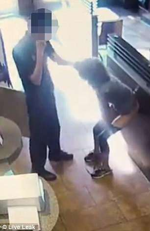 【画像】女「トイレ貸してください」ドーナツ屋「ダメです」女「あああああああ!!(ブリブリブブブゥゥゥッッ!!」