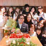 【画像】秋元康(60歳)が還暦パーティー 豪華メンバーが集結www