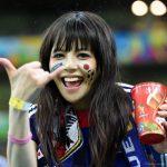 【画像】日本サポ女さんが可愛すぎると海外メディアで話題に