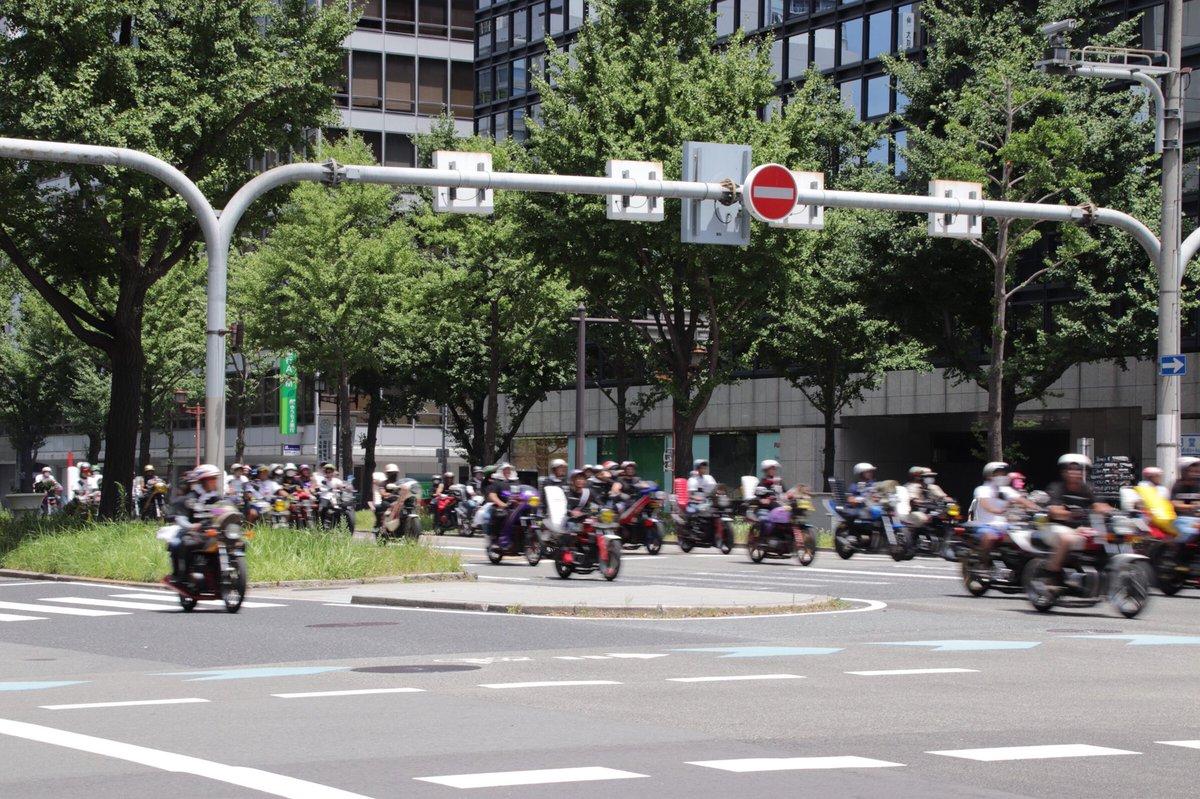 【珍走】大阪の町を1000台くらいの暴走族が爆走 大阪住民激怒