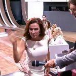 【ブチギレ】高齢出産でダウン症児を産んだ女優がTV番組に出演中に暴言を浴びせられ、観客を殴打