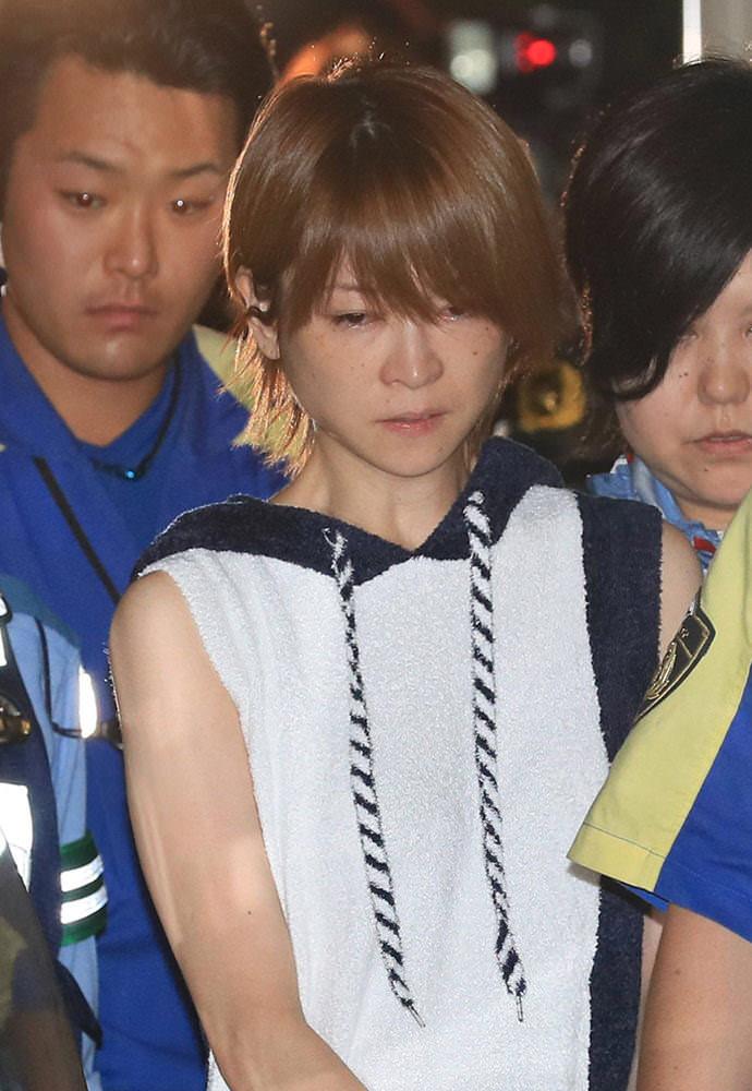 【悲報】吉澤ひとみ容疑者の自宅、ガサ入れされる