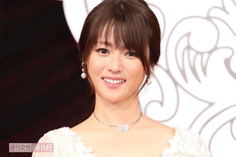 深田恭子(36)を1日好きにできる権利か不労で年収3000万