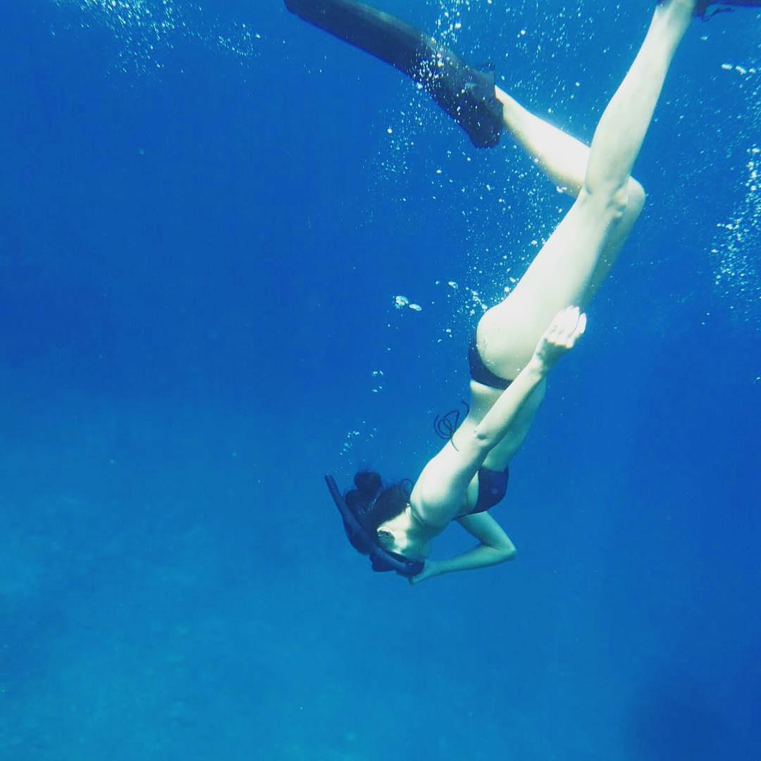 【画像】小島瑠璃子、水着姿を披露