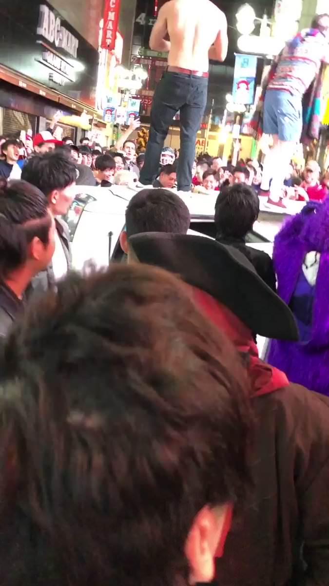 【動画】渋谷のハロウィン陽キャ、車をひっくり返してウェーイwww