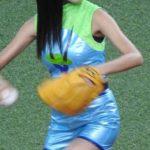 【画像】小島瑠璃子の始球式でおっぱい激写した