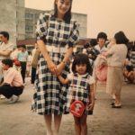 【画像】加藤綾子、美人母との幼少期2ショットを公開
