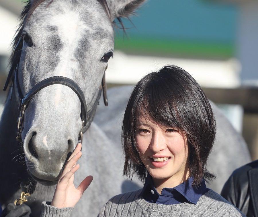 【画像】競馬界のアイドル藤田菜七子 かわいすぎる