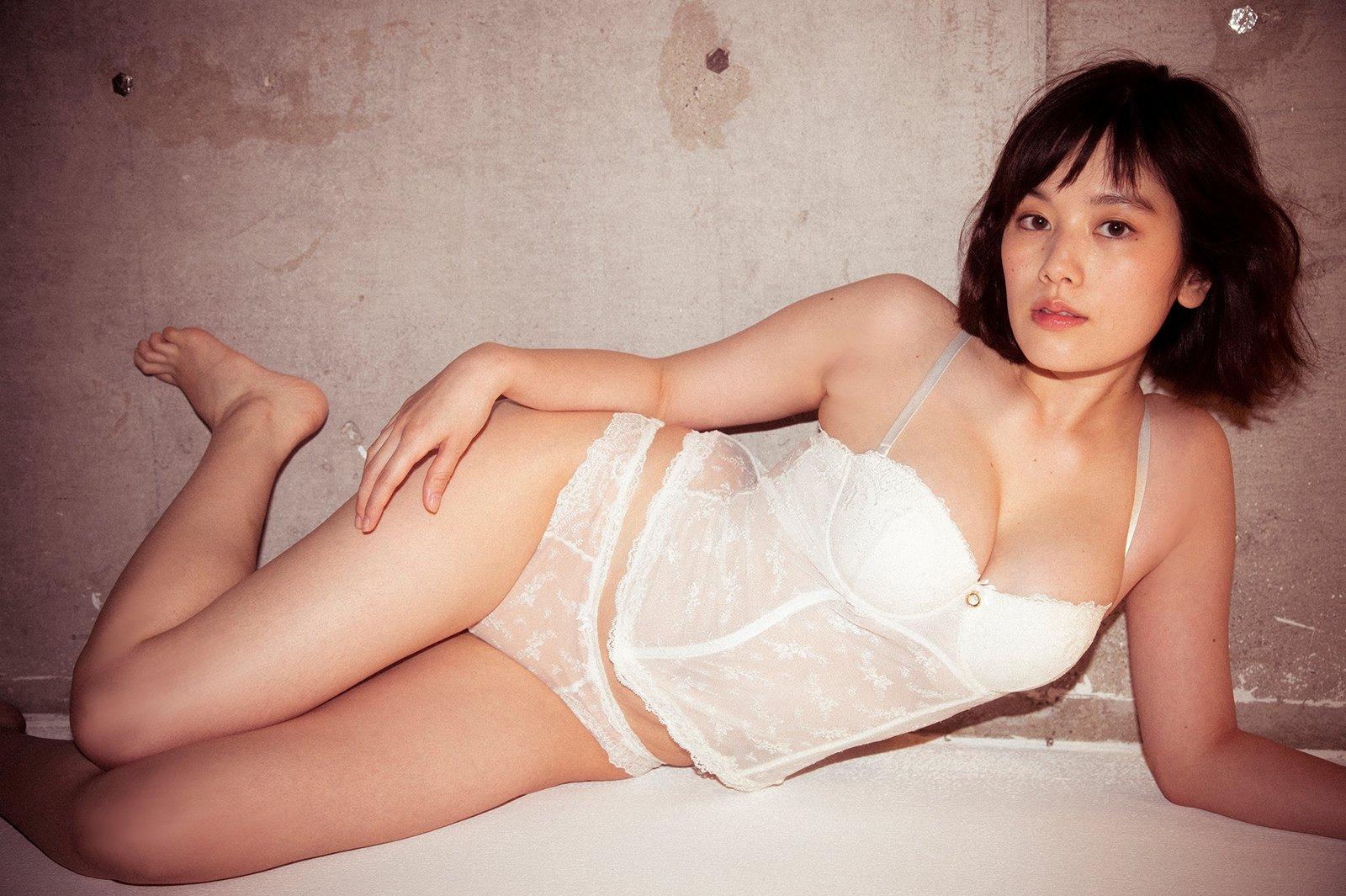 【画像】筧美和子、エチエチ下着で史上最高グラビア「Oh! モーレツ」