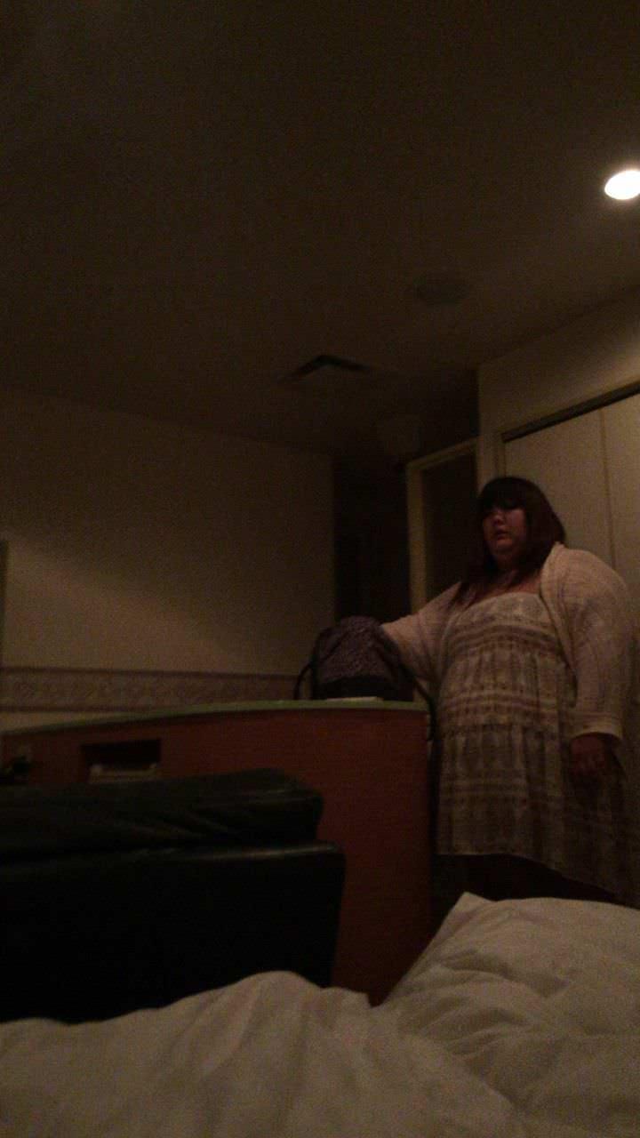 【画像】「デリヘル呼んだら105kgの女が来た・・・。」