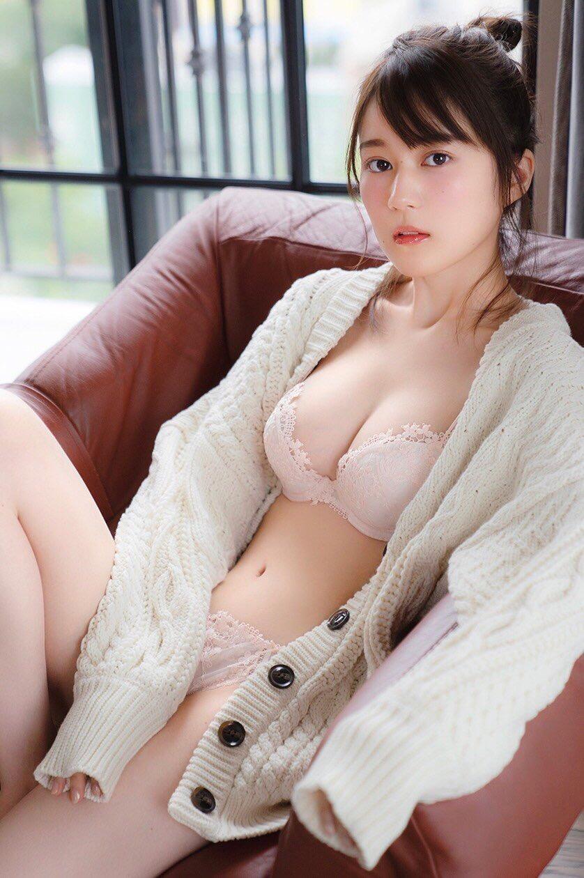 【画像】生田絵梨花の乃木坂イチのおっぱいwww