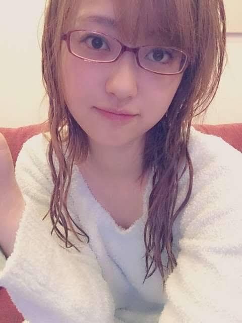 【画像】すっぴんの菊地亜美「てか、やる?w」