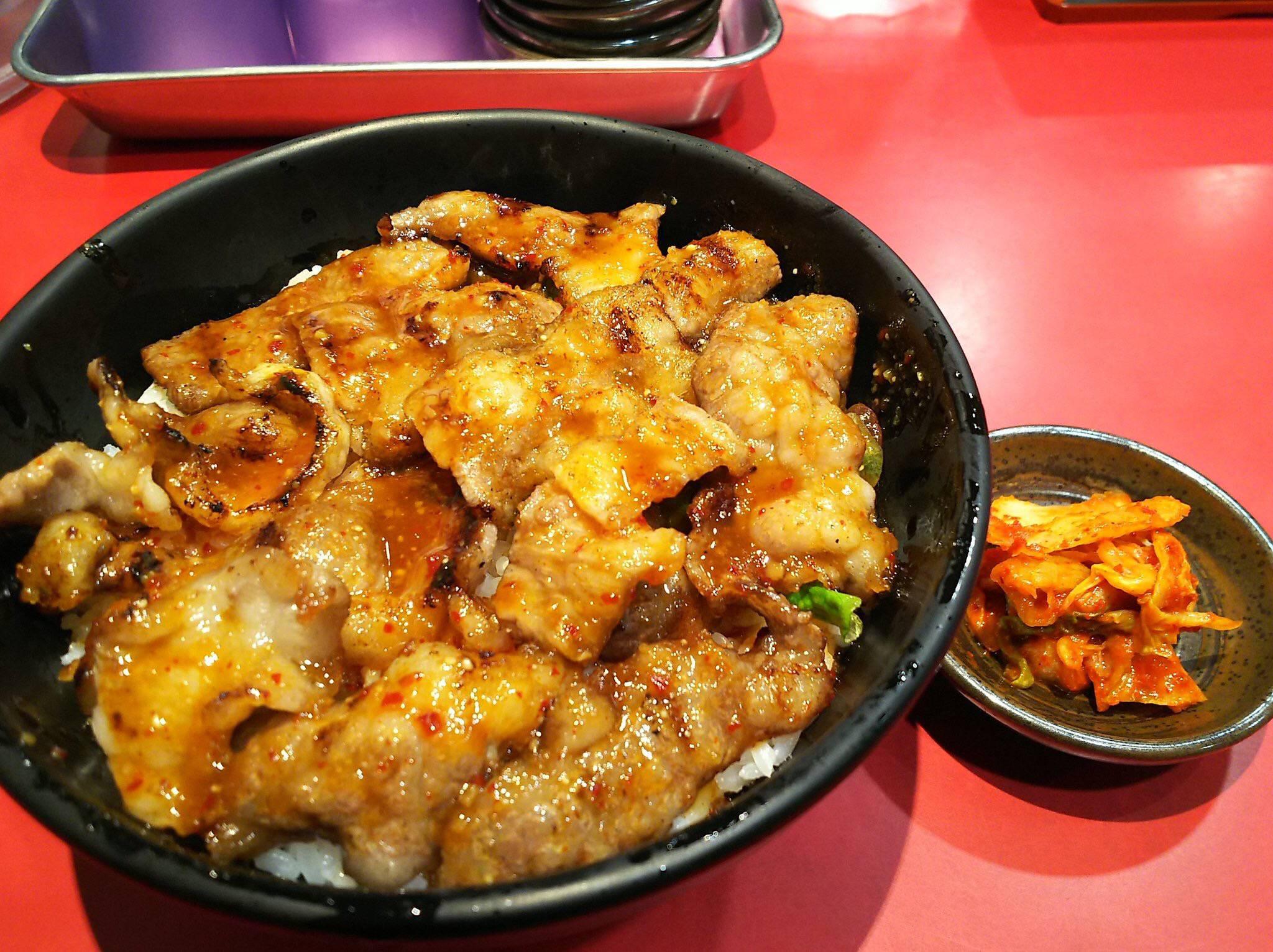 【画像】近所の定食屋のブタキム丼(280円)www