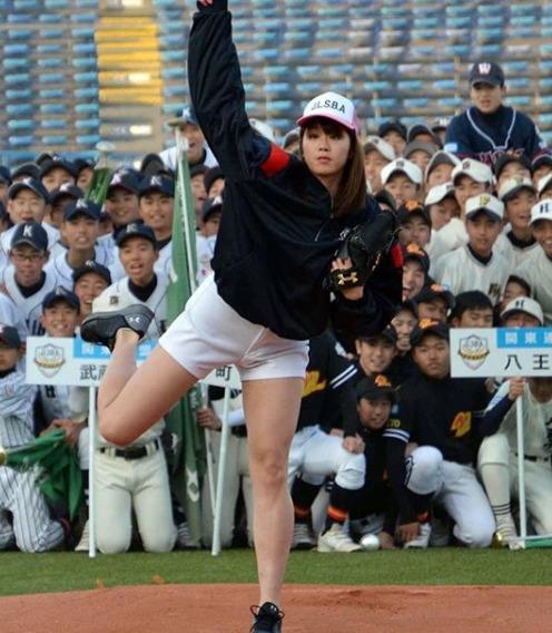 【画像】稲村亜美に中学生が殺到する直前画像