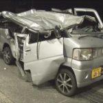 【速報】陽キグループの18歳男女三人、軽自動車で大型トラックに突っ込み死亡