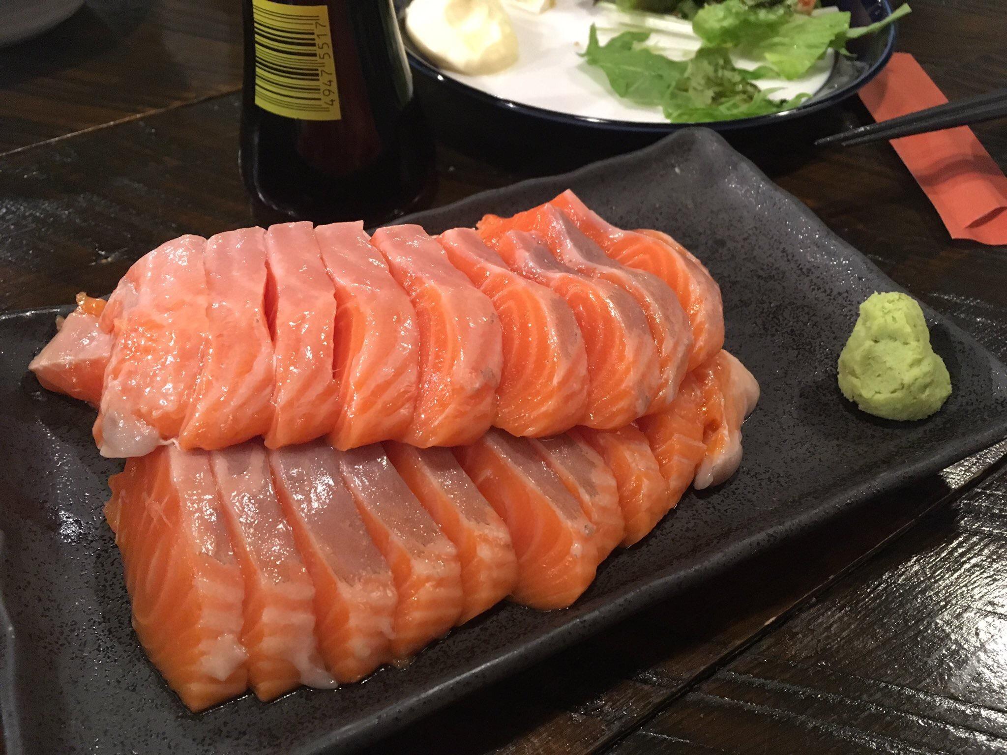 【画像】サーモン食べ放題(777円)←これのコスパwwww