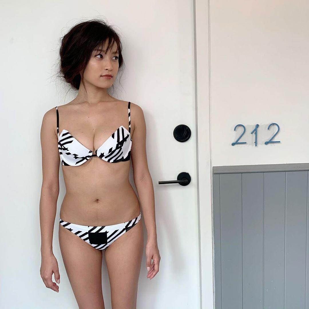 【画像】小島瑠璃子のHな体型w