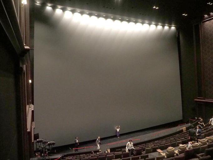 【画像】池袋に巨大映画館が本日開業 スクリーンでけええええ