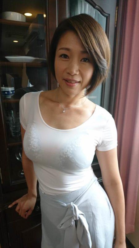 【画像】団地のお隣さんの人妻エッッッッ!!!!