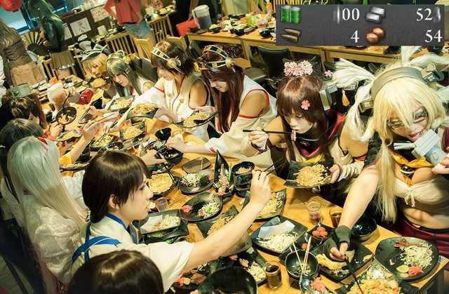 【画像】女コスプレイヤーの食事会、なんかモンハンの集会所っぽいw