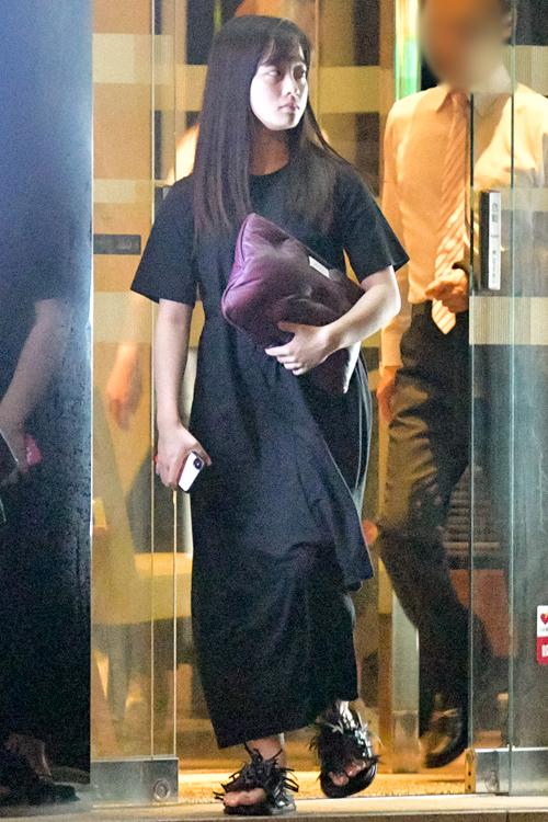 【画像】橋本環奈、私服が完全にデブのそれw