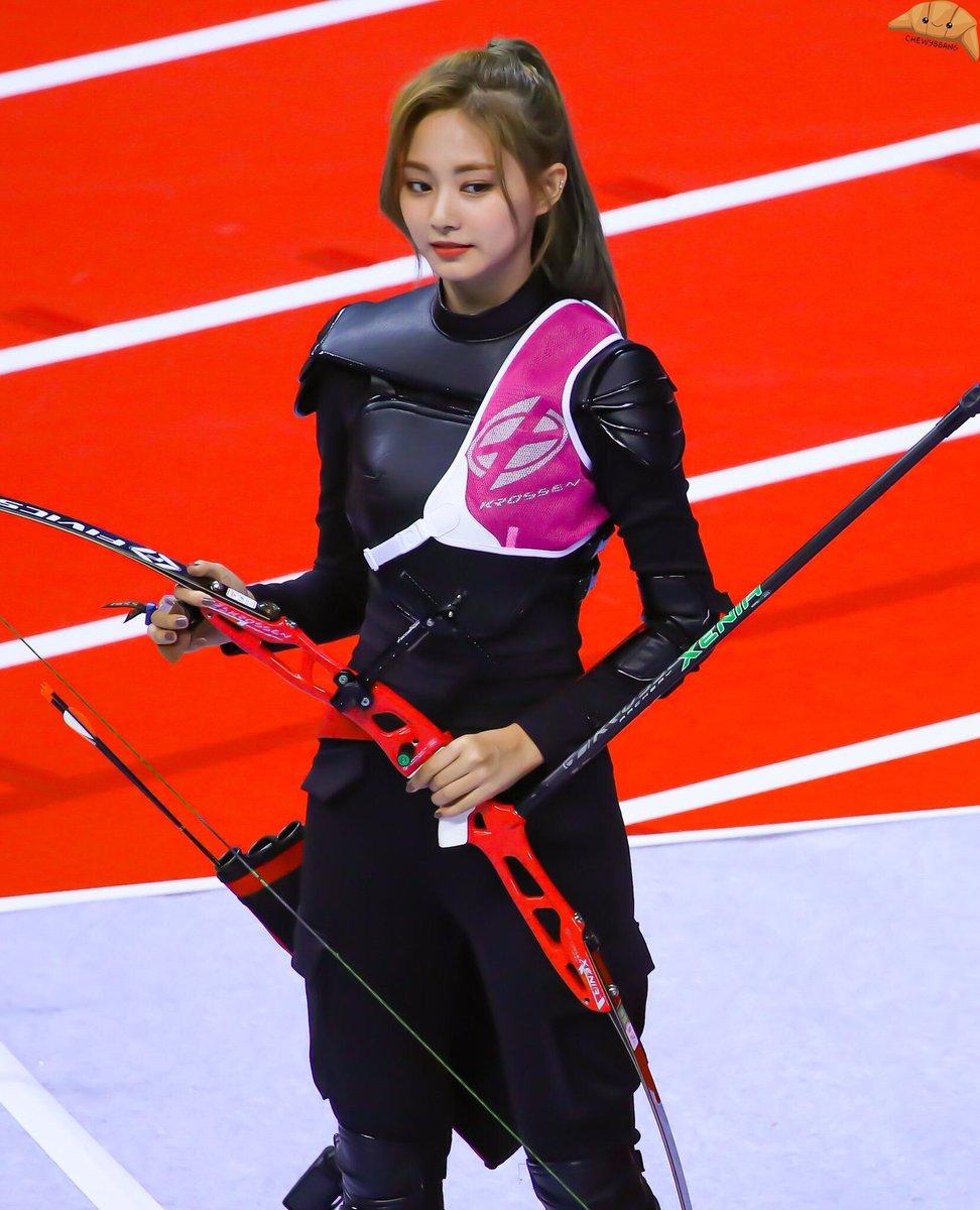 【画像】めちゃくちゃ美人な韓国の女子アーチェリー選手が見つかる