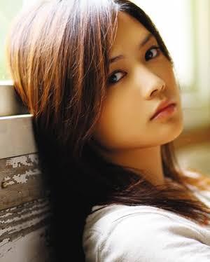 【画像】YUIとかいうシンガーソングライター史上最高にかわいい女の子ww