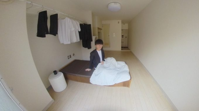 """【画像】最低限のものしか持たない""""ミニマリスト""""の部屋がすごすぎる"""
