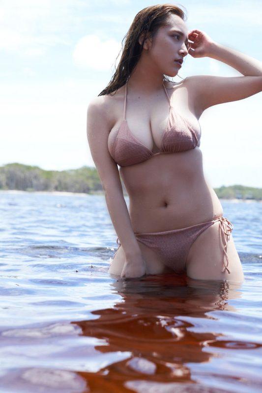 【画像】都丸紗也華さん、チクビ解禁へ!