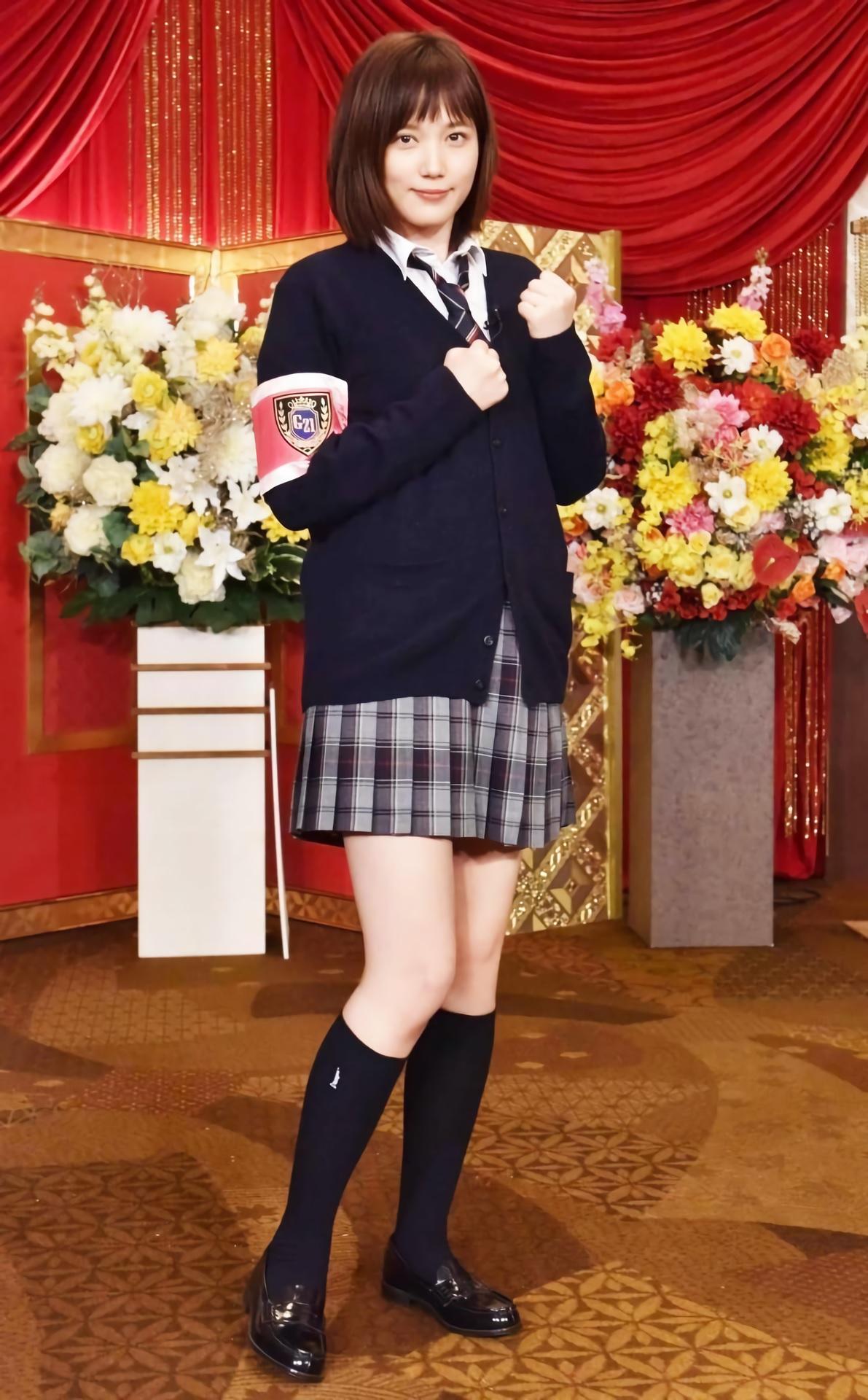 【画像】本田翼「ぐるナイ、ゴチは自分が高校生の時の制服をイメージしてみました」