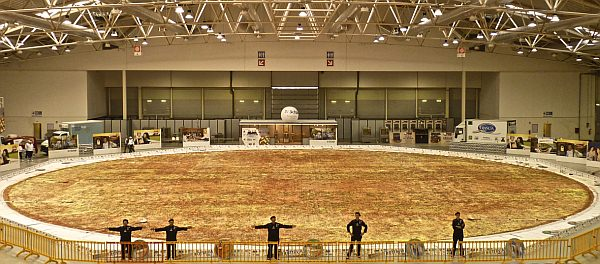 【問題】このピザ(25.6トン)の欠点を答えなさい