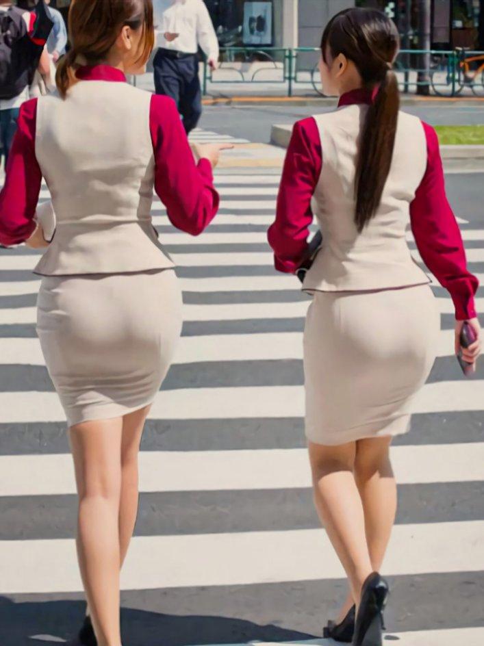 【画像】ピチピチのスカート履いてるOLさんエッッッ!!!!