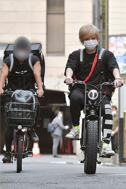 【画像】NEWS手越、なんかすげー自転車で弁当配布ボランティア
