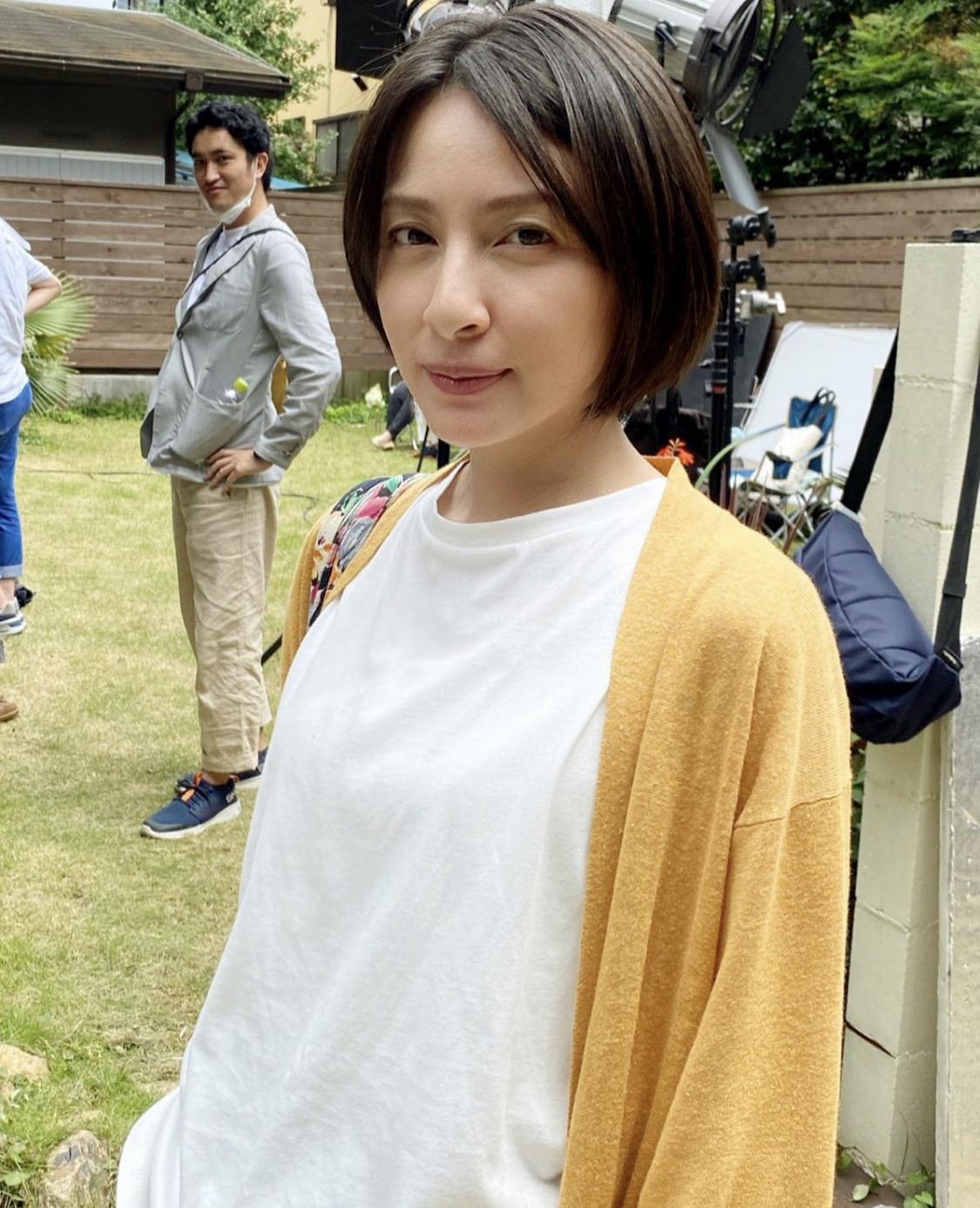 【画像】奥菜恵さん(40歳)、まだ全然いけるw