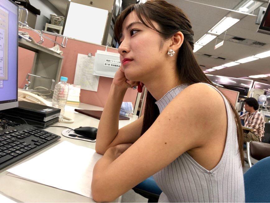 【画像】真夏の女上司、ガチでHすぎてワロタw