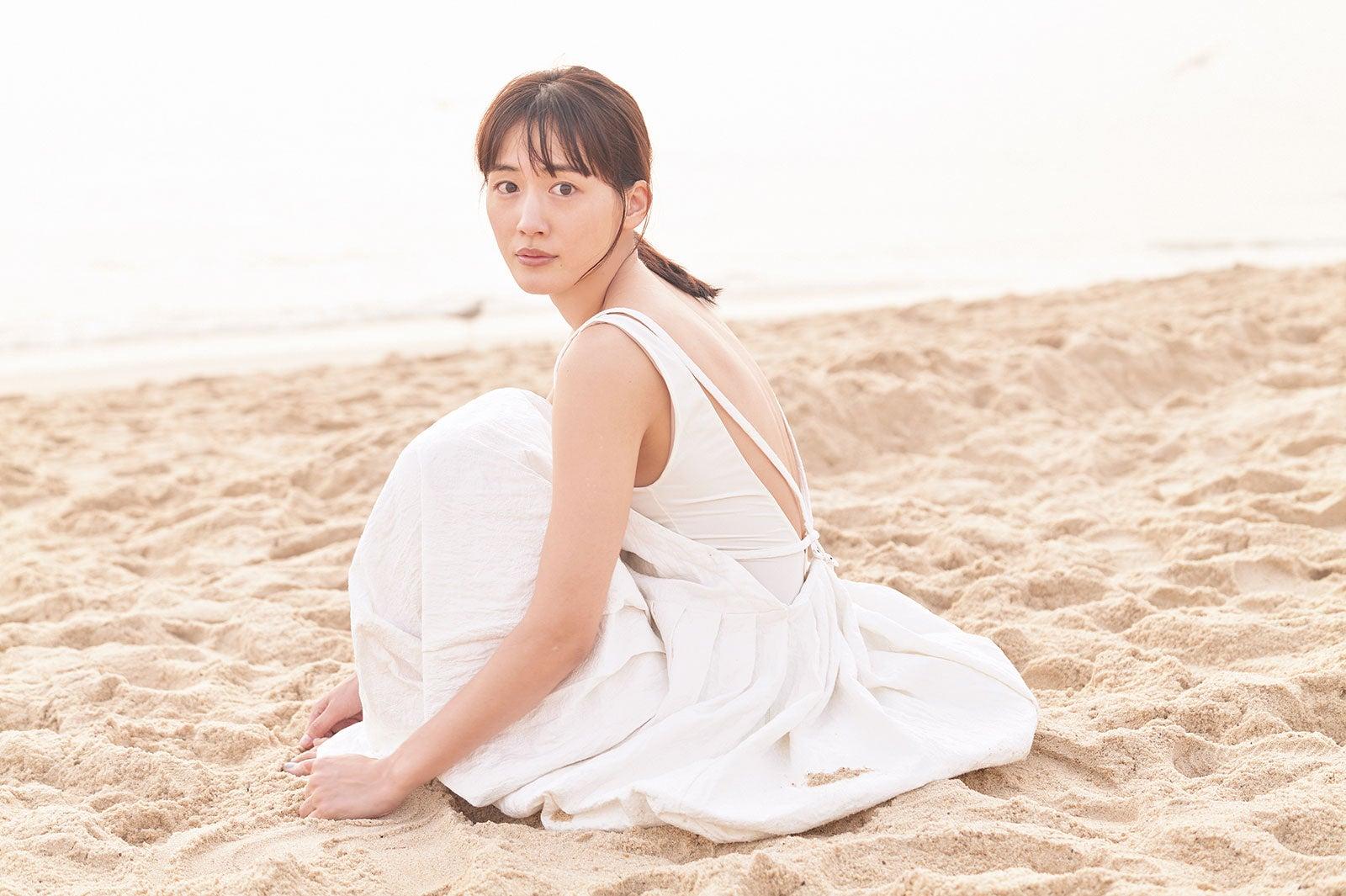 【画像】綾瀬はるかさん(35)、おっぱいを出してしまう