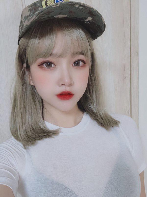 【画像】韓国で「見せブラ」が流行ってるらしいw